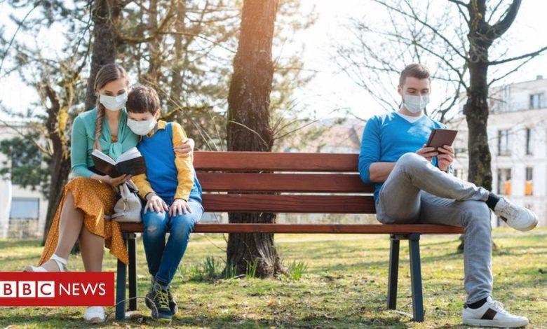 """Photo of الفيروس التاجي: هل تخفيف الإغلاق """"يتبع العلم""""؟"""